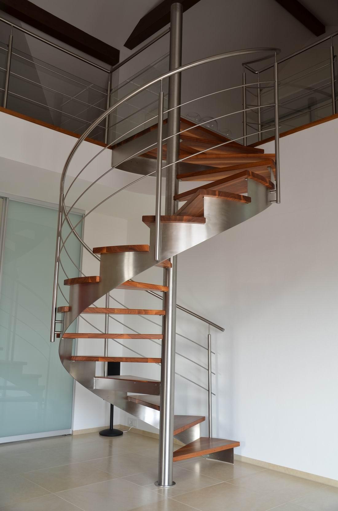 metalltreppen stahltreppen wangentreppe spindeltreppen wendeltreppen treppen chiemgau. Black Bedroom Furniture Sets. Home Design Ideas