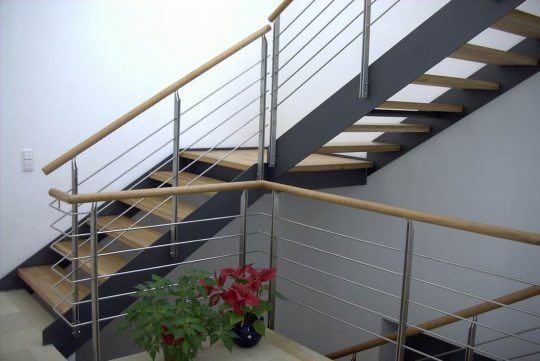 metalltreppen stahltreppen wangentreppe spindeltreppen. Black Bedroom Furniture Sets. Home Design Ideas