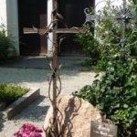 Grabkreuze in Schmiedeeisen oder Bronze