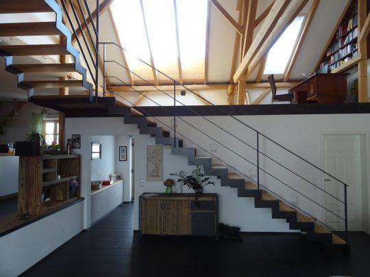 Sägezahntreppe pulverbeschichtet - Dachbodenausbau in Aschau im Chiemgau