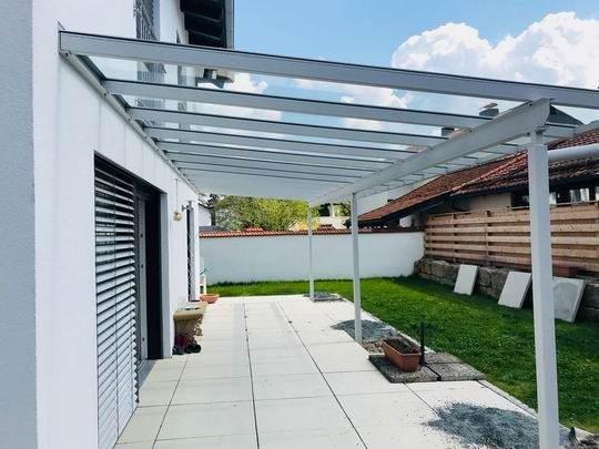 Terrassendach Raubling - weiß pulverbeschichtet