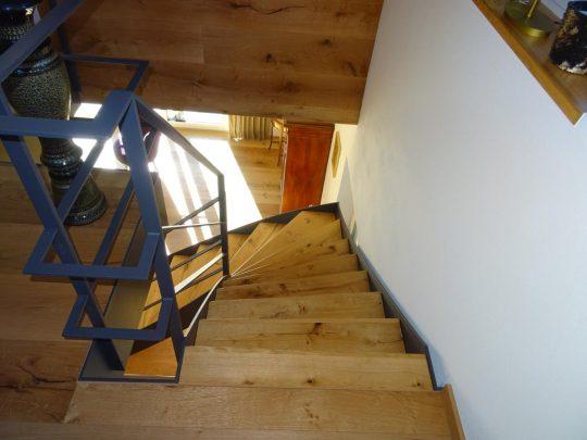 Wangentreppe mit verzogenen Stufen